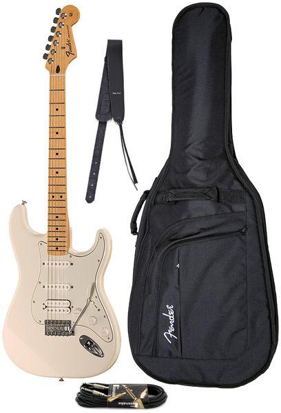 Fender Std Stratocaster HSS MN Bundle