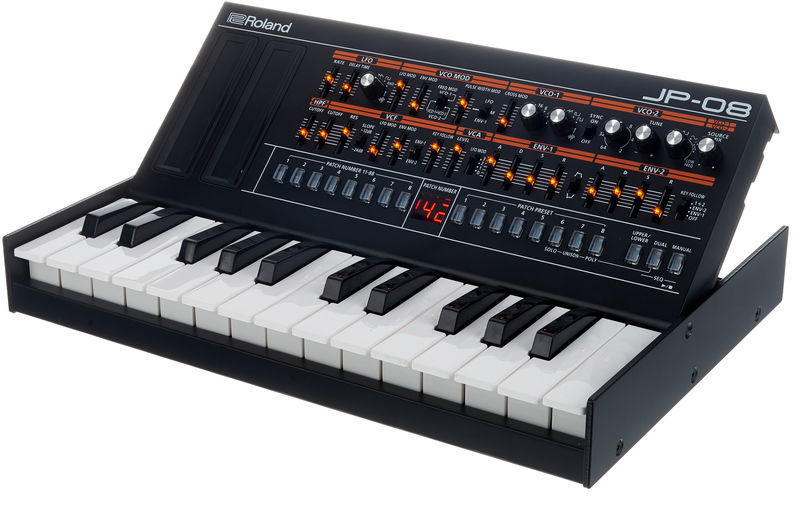 Roland Boutique JP-08 K-25m Bundle