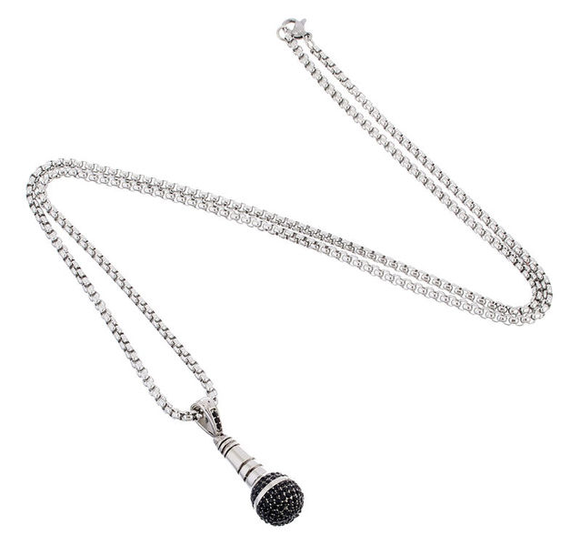 Rockys Necklace Microphone 2