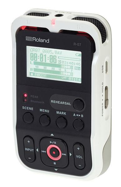 Roland R-07 white